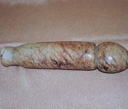 Dương vật giả cổ đại bằng đá